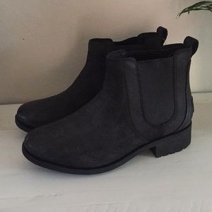 Black Ugg boots MAKE OFFER